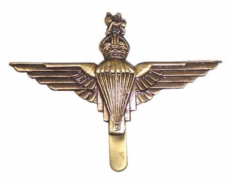 Mil-Com Para Metal Badge